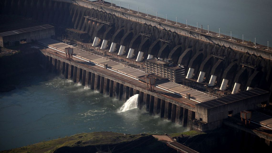 The governments of Argentina and Brazil are in talks to release water from the giant Itaipu Dam.