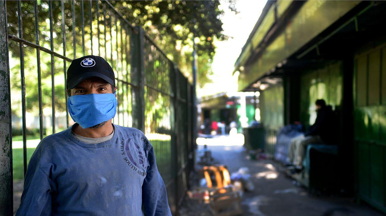"""""""Ciudadanos del Olvido"""" como viven y sobreviven la cuarentena a la intemperie"""