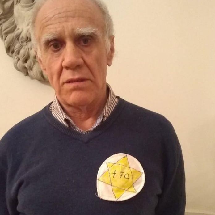 Noticias | La peculiar protesta de un intelectual de más de 70 años