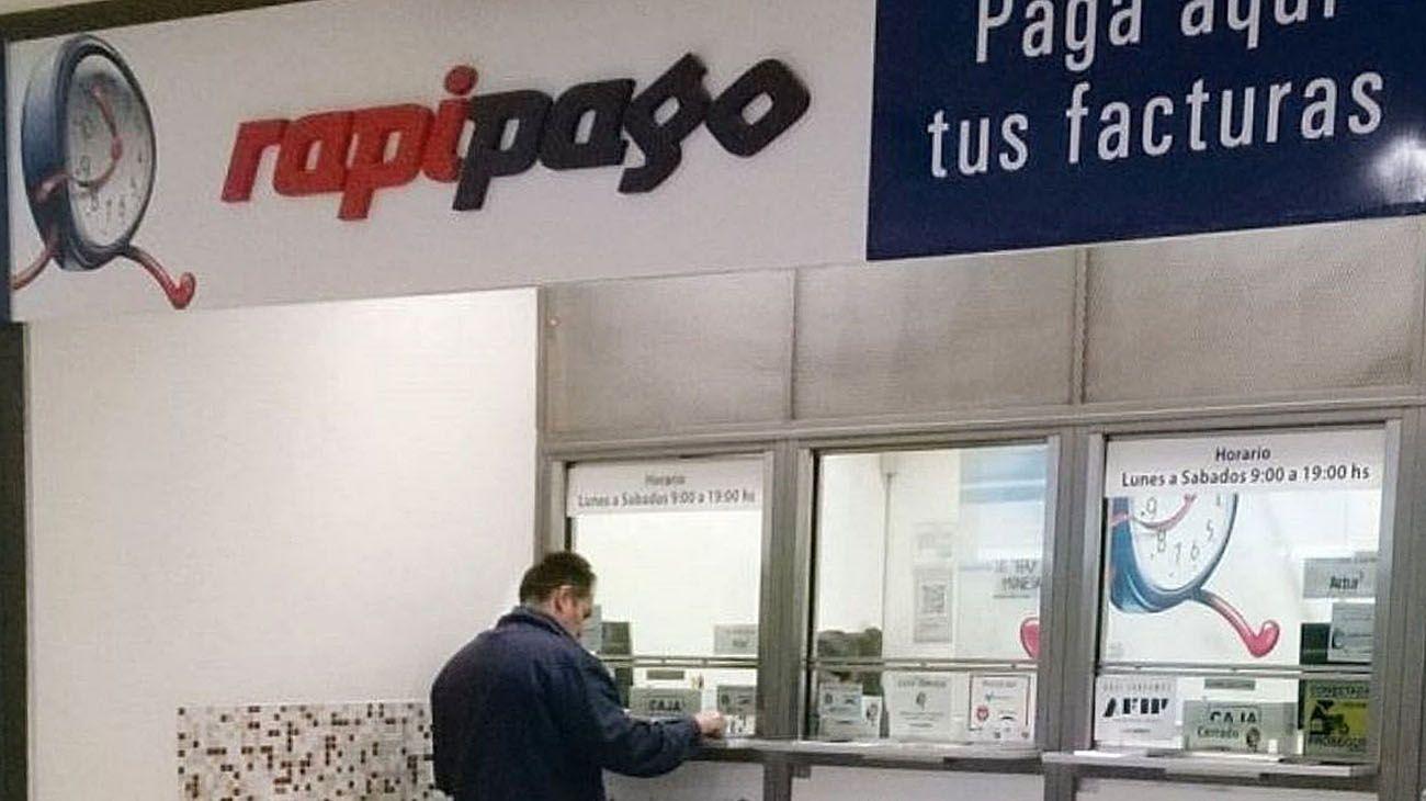 Locales de Rapipago y Pagofácil.
