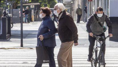 El jefe de Gobierno de la Ciudad ha resuelto una cuarentena especial para los mayores de 70 años. No podremos salir de casa sin un código, a tramitar por teléfono