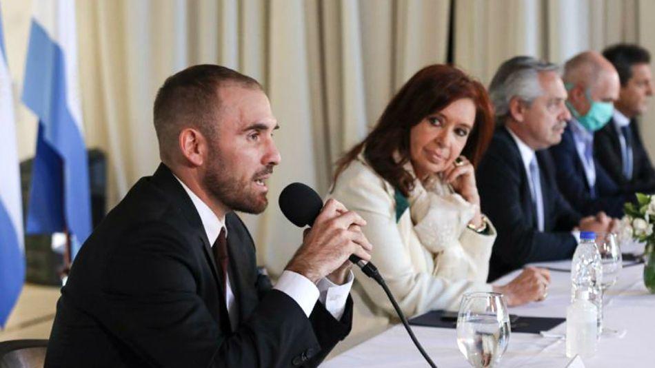 El ministro Guzmán, habla en el anuncio de la propuesta argentina de renegociación de deuda.