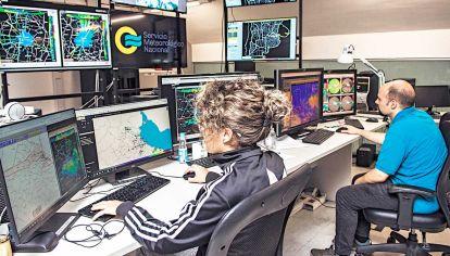 Esenciales. Trabajadores del Servicio Meterológico Nacional.