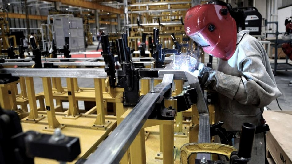 industria uia trabajo g_20200418