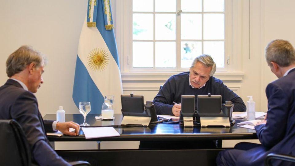 Alberto Fernández habló con su par francés Emmanuel Macron.