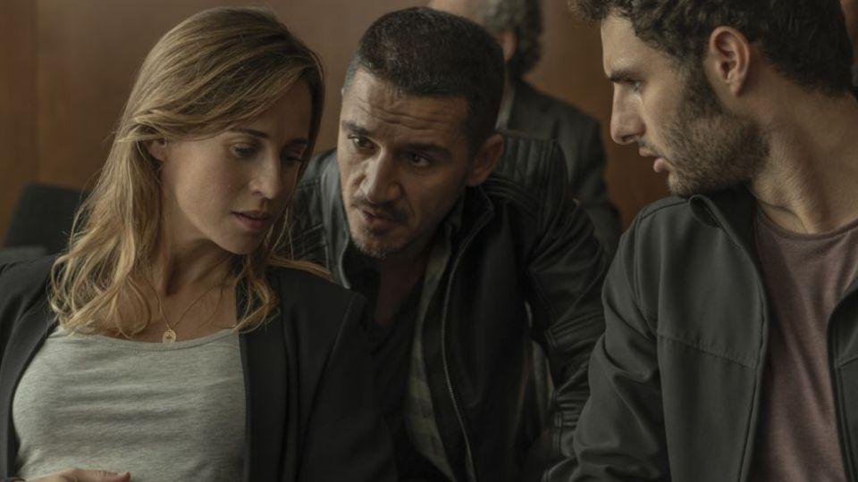 La saga de Baztán regresa y con ella la inspectora Salazar vuelve al valle para descifrar una nueva serie de asesinatos conectados a lo oculto.
