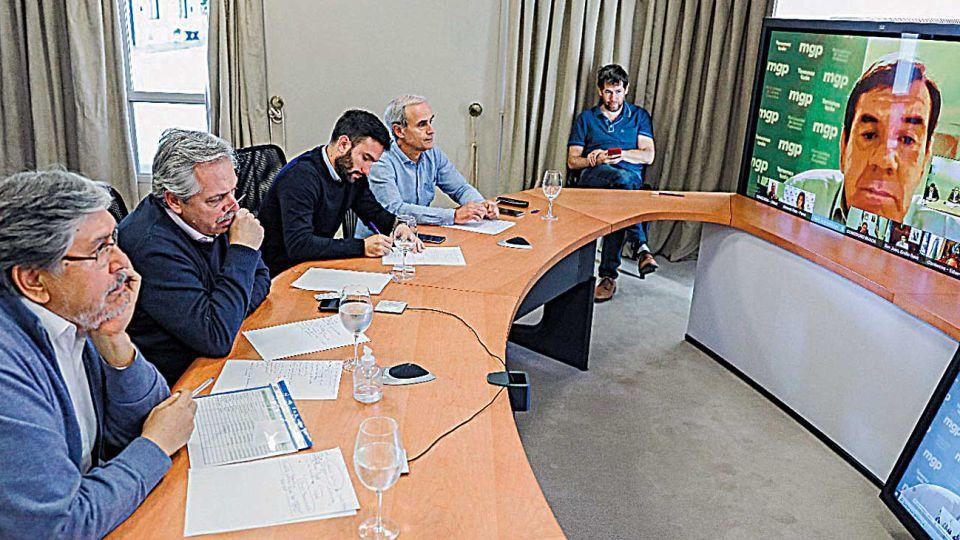 Videoconferencia. El Presidente se reunió con más de treinta alcaldes de todo el país.