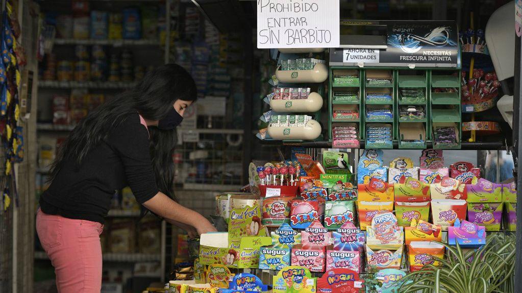 """Argentina se encuentra bajo """"aislamiento social preventivo y obligatorio"""" desde el 20 de marzo."""