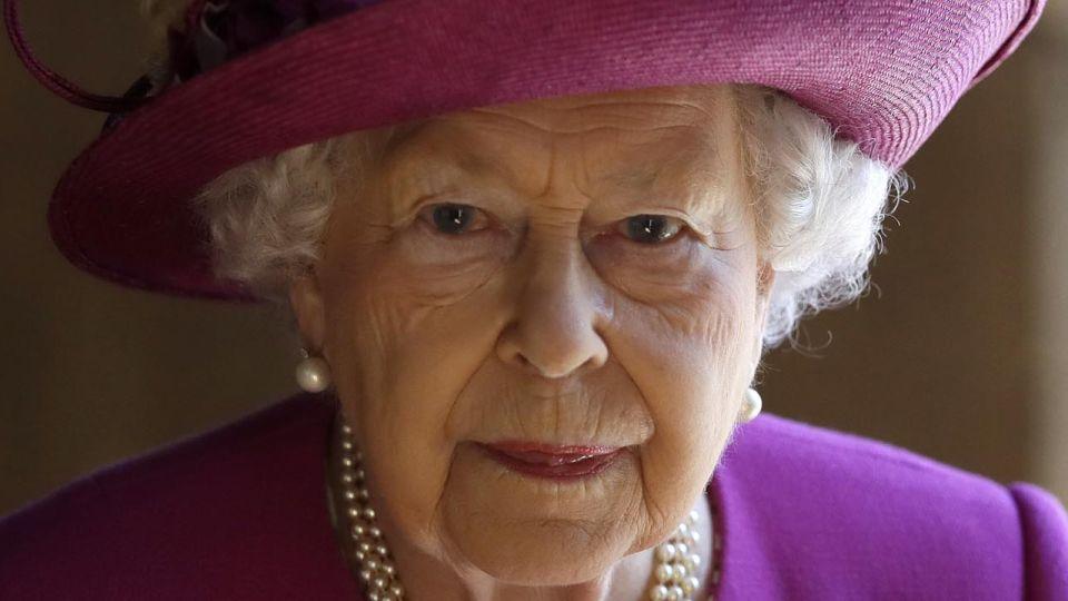 Isabel II - cumpleaños en soledad