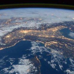 En du día, así se ve la Tierra desde el espacio.