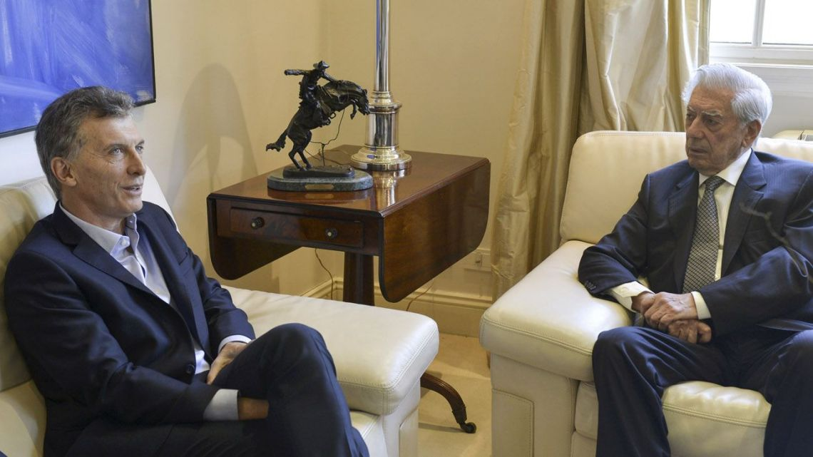 Mauricio Macri and Mario Vargas Llosa.