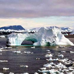 El calentamiento global es el principal responsable de que año a año la capa de hielo de los polos se vaya reduciendo significativamente.