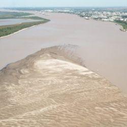 """""""La bajante histórica que atraviesa el río Paraná no se registra desde el año 1989""""."""