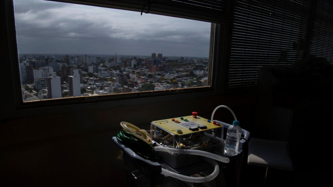 Picture of the MGAIR, one of four ventilator prototypes being developed for free in Uruguay to face the coronavirus COVID-19 pandemic, taken at the neonatology laboratory in the Clinicas Hospital, of the Faculty of Medicine of the University of the Republic (Udelar), in Montevideo, on April 22, 2020.