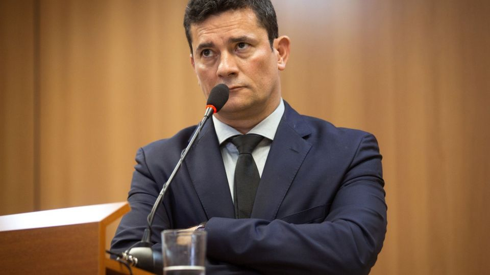 Leaked Carwash Messages Spark Calls for Moro to Resign in Brazil