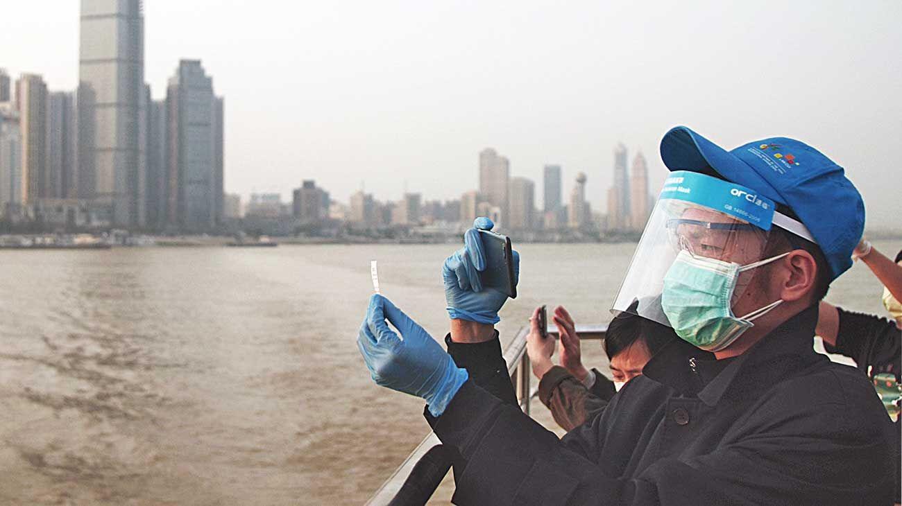 Wuhan. Al fondo, la ciudad donde tuvo su origen la pandemia que está amenazando a todo el planeta.