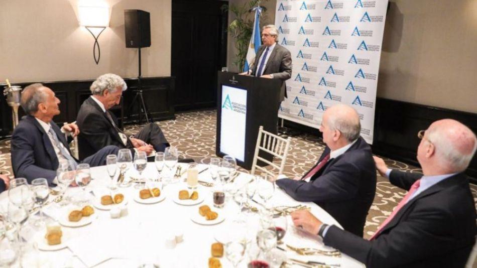 Alberto Fernández ante la Asociación Empresaria Argentina (AEA).