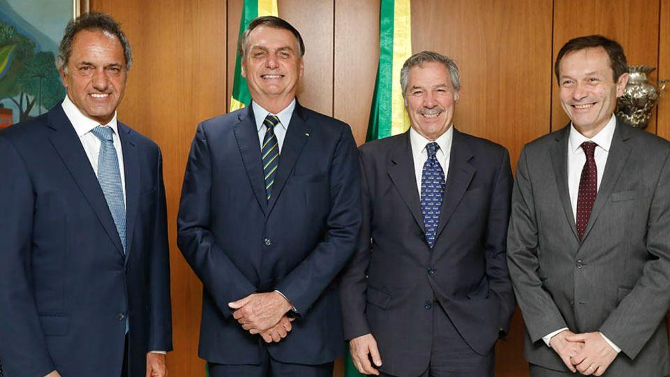 Scioli, Solá y Beliz con Bolsonaro en Brasil. Pese a las sonrisas, el Mercosur está en crisis.