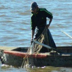 La pesca de subsistencia está contemplada en cuarentena, pero no para venta a frigoríficos.