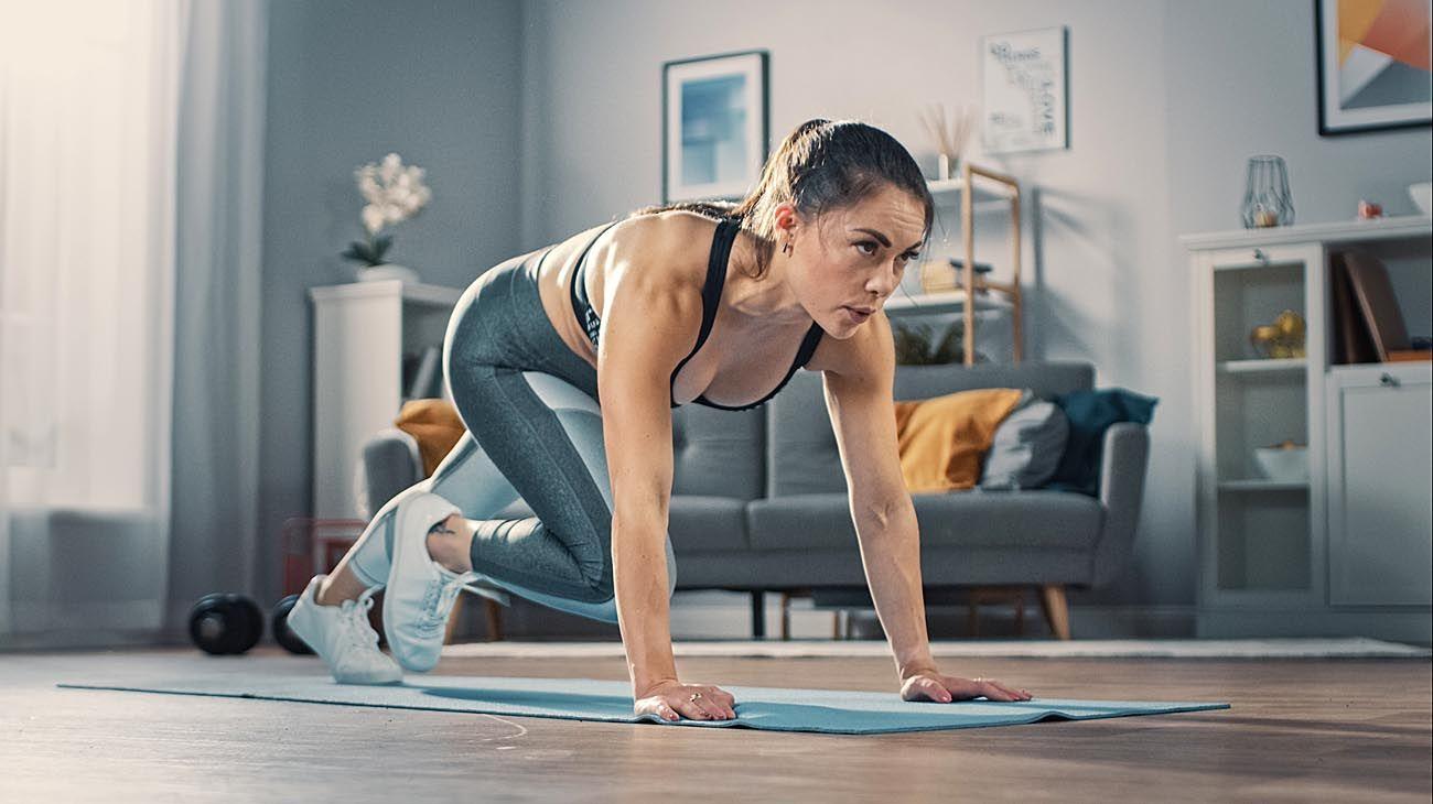 Caras y SportClub vienen realizando esta acción en conjunto en el canal de Instagram @revistacaras desde hace dos semanas en donde se transmiten rutinas de ejercicios.