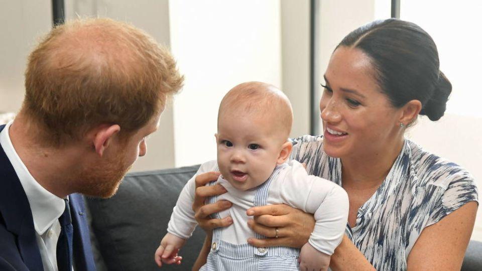 Meghan y Harry junto a Archie