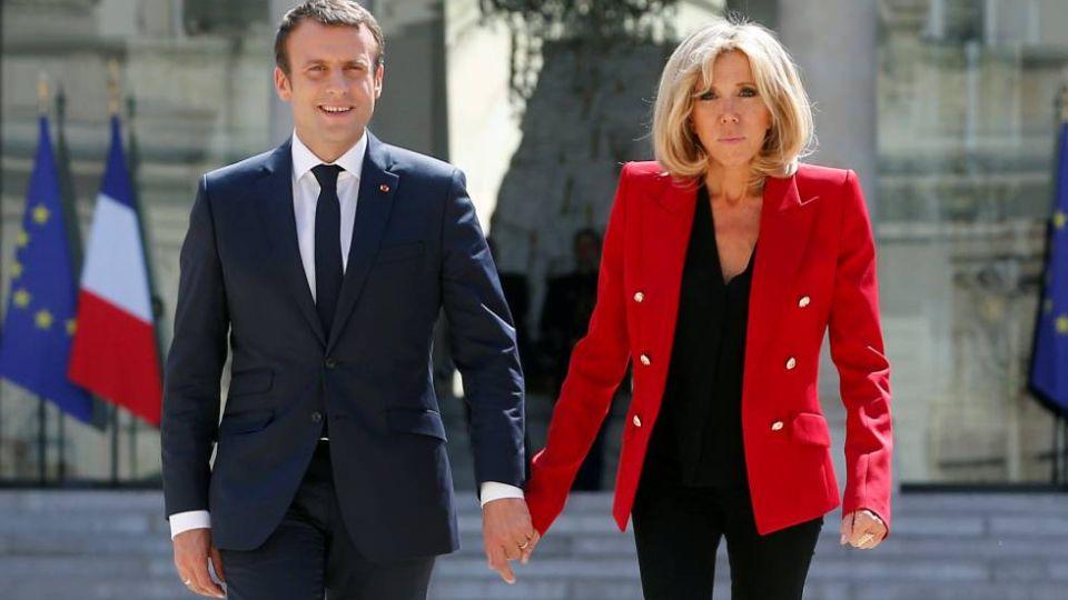 Macron sale de compras y Briggitte en cuarentena