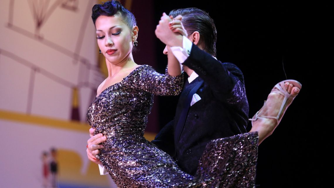 """One of the nineteen couples participating in the final of """"Stage Tango"""" within the framework of the Tango BSAS Festival and World Cup, tonight at the Luna Park stadium in August 2016."""