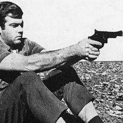 En noviembre de 1979, así realizaba la comparación el especialista de armas de Weekend.