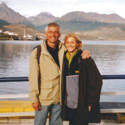 Una imagen de tiempos felices, Sergio y Carolina de viaje por el sur argentino.