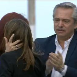 Fernanda Raverta, con Cristina Kirchner y Alberto Fernández. | Foto:Cedoc