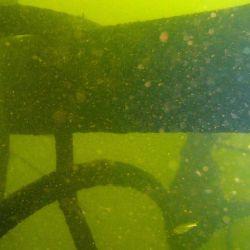 El flanco aguas abajo (estribor) se encuentra en perfecto estado de conservación.