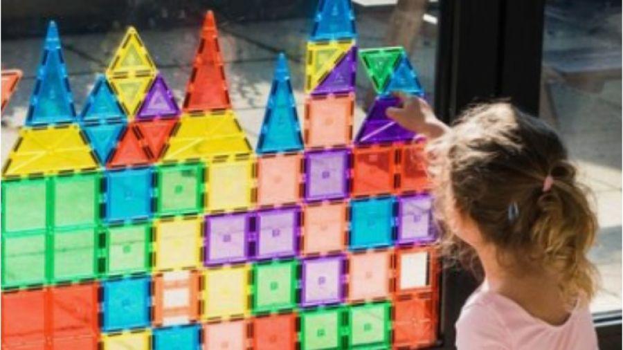 ideas-para-decorar-con-tus-hijos-las-ventanas