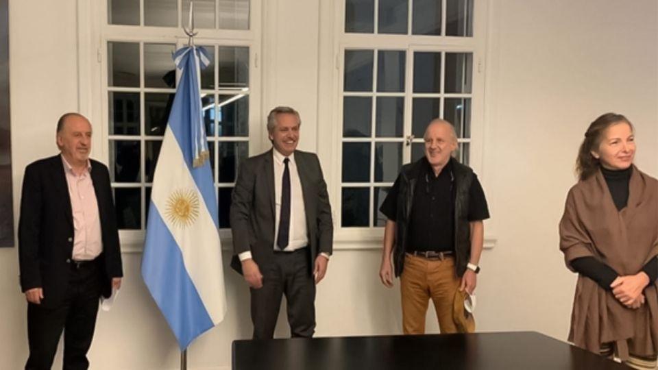 (De izq. a der.) Hugo Yasky, el presidente Fernández, Julio Vitobello y Alejandra Darín, en reunión en Olivos.