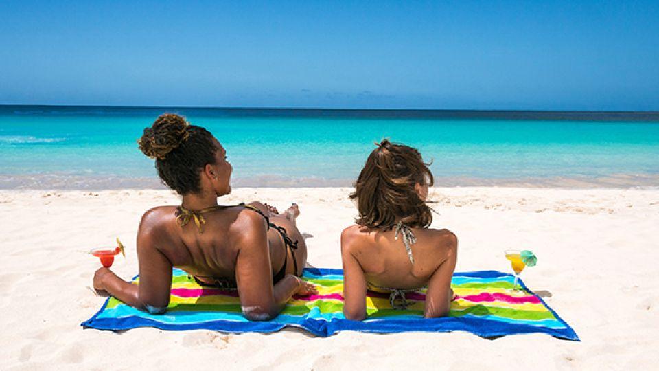 Estas playas paradisíacas deberán esperar a recibir turistas de nuevo. La reactivación empezará por destinos cercanos.