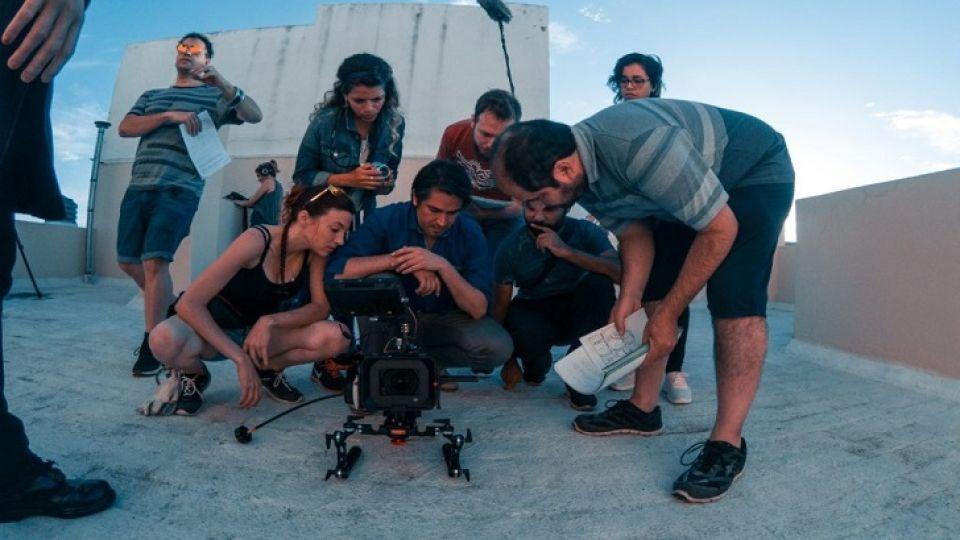 SECTOR AUDIOVISUAL. Con producciones y coproducciones frenadas, la industria se enfoca en el desarrollo de guiones y prepara un protocolo para la vuelta a la actividad.