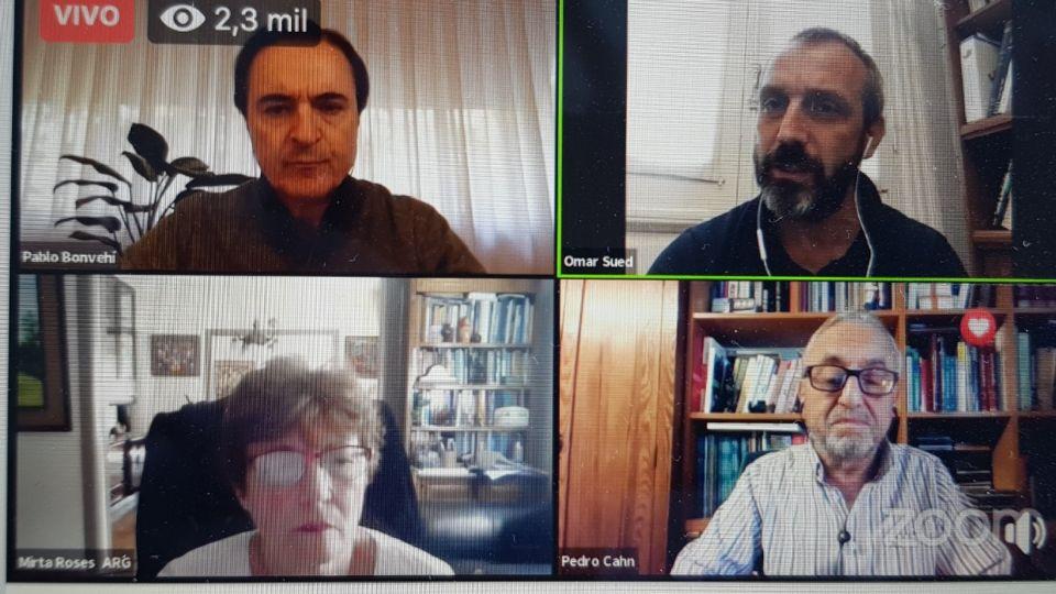 Los infectólogos Mirta Roses, Pablo Bonvehí, Omar Sued y Pedro Cahn enel webinar de la SADI