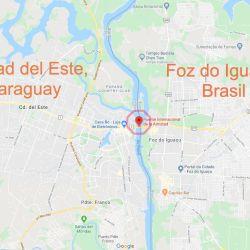 El puente internacional La Amistad conecta Foz de Iguazú, en Brasil, con Ciudad del Este, en Paraguay.
