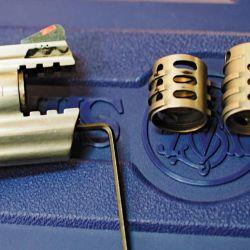 Los compensadores intercambiables de algunos modelos permiten instalar el más adecuado  según la carga utilizada.