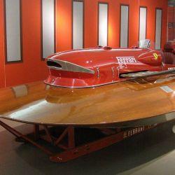 El Ferrari Arno XI surgió de la cabeza de Achille Castoldi, ingeniero italiano que en la década del 40 había conseguido títulos en motonáutica.