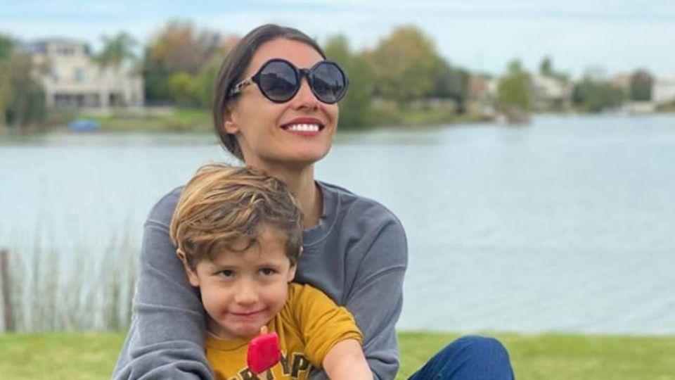 Pampita hizo una sofisticada pirueta con su hijo menor