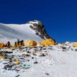 Los miembros de Yarla Shampoo Expeditions en el Campamento Base del Everest.