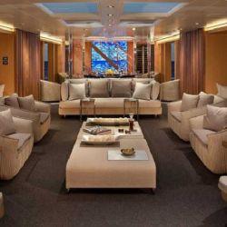 El Azzam esta diseñado para recibir hasta 36 invitados.