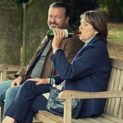 La serie de Ricky Gervais, After Life.   Foto:Cedoc