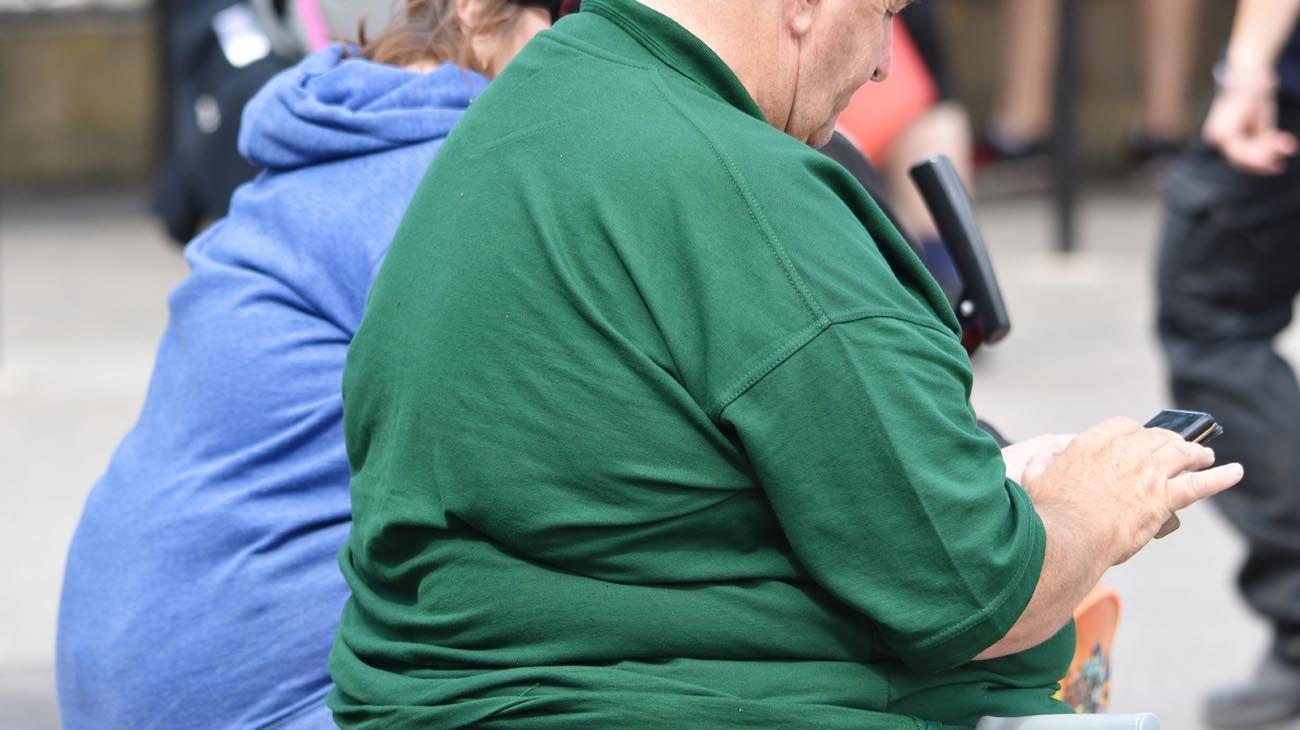 Las personas jóvenes con obesidad tienen más riesgos de padecer complicaciones por el nuevo coronavirus.