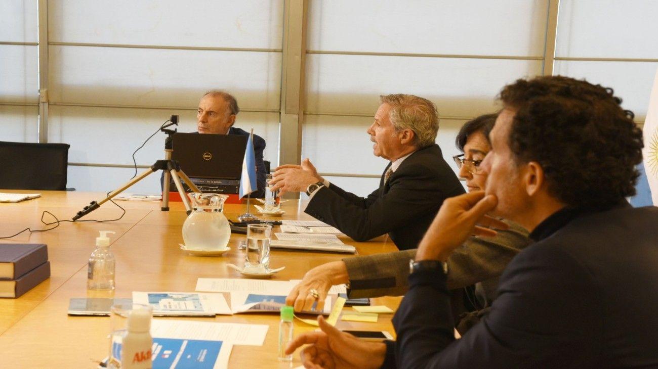 Felipe Solá se reunió con 30 entidades del campo para conversar sobre comercio exterior y Mercosur