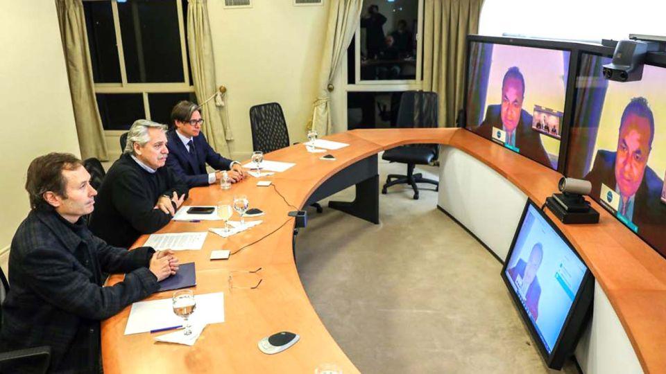 """""""Alberto Fernández habló por videoconferencia con el titular del Banco de Desarrollo de América Latina (CAF), Luis Carranza Ugarte"""""""