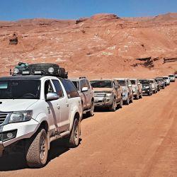 La caravana completa, lista para emprender un nuevo tramo del camino.