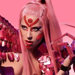 Lady Gaga y su nuevo look entre futurista y dominatrix