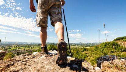 Caminar, una actividad básica llena de beneficios
