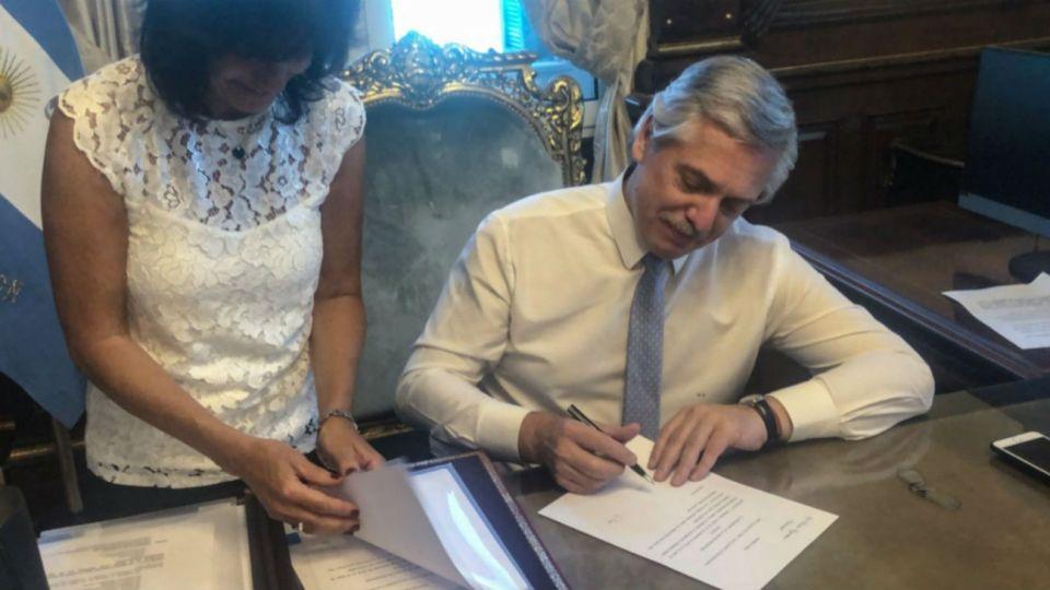 El presidente Alberto Fernández firmó más de veinte DNU desde el inicio de la cuarentena.